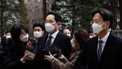 'Thái tử' Samsung quyết định không kháng cáo bản án 30 tháng tù giam