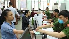 Bộ Công an yêu cầu dừng cấp chứng minh thư 9 số, căn cước công dân mã vạch