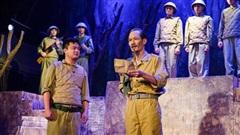 Hình tượng Chủ tịch Hồ Chí Minh trên sân khấu