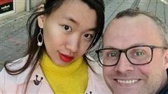 Quen nhau qua mạng, vợ Việt chồng Tây tiến tới hôn nhân hạnh phúc dù chênh nhau 10 tuổi