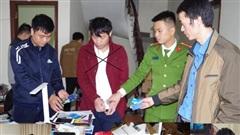 Hà Nam: Bắt 2 đối tượng điều hành đường dây đánh bạc tiền tỷ
