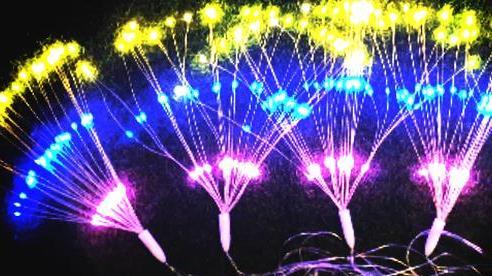 Đèn led pháo hoa gây sốt thị trường Tết Nguyên đán 2021