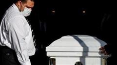 Mỗi ngày có hơn 3.000 người Mỹ thiệt mạng vì COVID-19