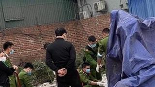 Xót xa thi thể thai nhi còn nguyên dây rốn bị vứt bỏ trong bãi rác gần khu công nghiệp