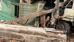 CLIP: Tai nạn kinh hoàng ở Biên Hòa, người và xe máy nằm la liệt