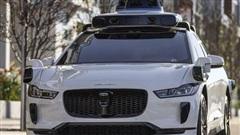 Google đá xoáy, tuyên bố Tesla không có cửa làm xe tự lái 100%