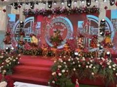 Choáng ngợp với đám cưới sử dụng 5 tấn hoa tươi ở Nam Định