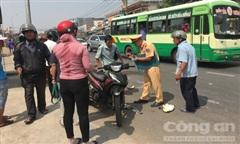 Xe đầu kéo cán tử vong người phụ nữ chạy xe máy