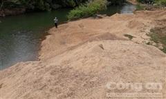 Vụ khai thác cát lậu ở vùng biên: Xác minh làm rõ, xử lý nghiêm