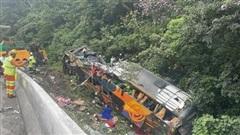 Brazil: Lật xe khách trên đường cao tốc, hơn 18 người thiệt mạng