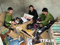 Bắt đối tượng tàng trữ, mua bán hơn 1.500 linh kiện súng hơi