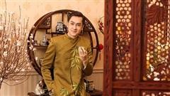 Tùng Lâm diện áo dài đón Tết Tân Sửu