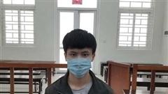 Dùng kéo đâm thủng tim đồng nghiệp ở Hà Nội