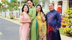 Gia đình Thúy Hạnh – Minh Khang rạng rỡ chụp ảnh Tết