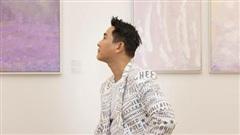 Hứa Vĩ Văn rơi nước mắt tại triển lãm hội họa đầu tiên của mình