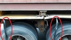Đáp án 'bá đạo' của dân mạng về câu hỏi: Bó dây cao su ở lốp xe tải có tác dụng gì?