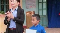 Biểu dương, khen thưởng học sinh lớp 2 trả lại 7 triệu đồng nhặt được