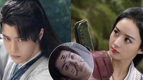 Triệu Lệ Dĩnh vẽ nát mặt khi Vương Nhất Bác đang ngủ say ở hậu trường Hữu Phỉ, biến tấu khác xa nguyên tác làm fan cười ngất