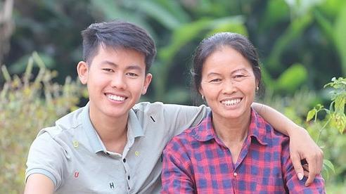 25 năm từ mẹ đơn thân thành Youtuber nổi tiếng