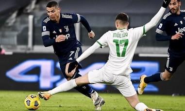 Ronaldo góp công vào thắng lợi của Juventus
