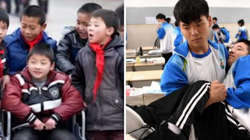 Mất đi đôi chân do mắc căn bệnh hiếm gặp, cậu bé 7 tuổi cùng hội bạn thân làm nên kỳ tích sau 10 năm