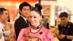 Trương Hồ Phương Nga rạng rỡ tiết lộ công việc mới sau biến cố