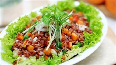 Mách chị em cách làm món cơm salad vừa ngon, vừa mới lạ: Ăn no mà không nặng bụng cũng chẳng sợ tăng cân!