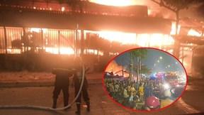 Giao thông kẹt cứng nhiều giờ vì cháy lớn xưởng gỗ ở quận 12