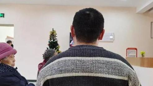 Người đàn ông 39 tuổi vào viện dưỡng lão sống rồi tuyên bố không muốn về vì ở đây... sướng quá