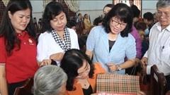 Mang quà đến với người dân Bình Định, cùng đón tết an vui