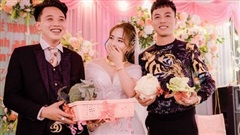 Độc đáo đội bạn thân mang cả 'vườn rau' làm quà cưới khiến cô dâu chú rể chỉ biết cười tươi