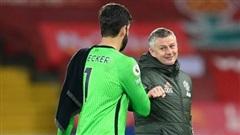 Để Man United 'có được thiên hạ', Solskjaer 'mặc yếm' một chút đã sao