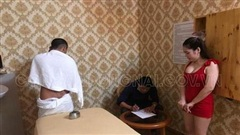 Bắt quả tang tiếp viên massage Mi Mi Ngọc kích dục cho khách: Trưởng khu phố tiết lộ bất ngờ