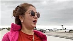 Danh hài Thúy Nga thuê máy bay riêng về Việt Nam, bay 15 phút không chịu nổi phải bỏ cuộc