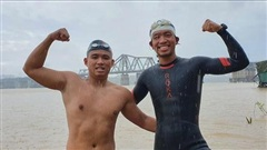 Hai người Việt làm điều khó tin: Bơi 200 km từ chân cầu Long Biên ra biển Thái Bình