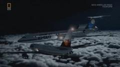 Tai nạn khủng khiếp, 2 máy bay đâm thẳng vào nhau giữa không trung