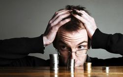 Lỡ tay chuyển nhầm vài chục triệu vào tài khoản ngân hàng của người khác thì có lấy lại được không?
