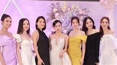 Cập nhật đám cưới Á hậu Thúy An tại TP.HCM: Cô dâu lộ diện cực xinh, khung ảnh đọ sắc hội nàng hậu gây sốt