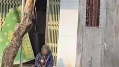 Dân mạng bức xúc hành động chủ nhà 'đuổi khéo' cụ ông đang ngồi nghỉ chân bên đường