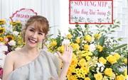 Netizen soi bằng chứng Quế Vân thật sự đã đặt lẵng hoa có tên Sơn Tùng, khớp với chi tiết 'cho oai' và thời điểm trong tin nhắn