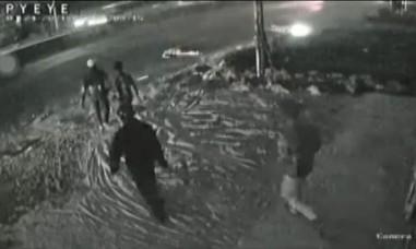 Camera ghi hình xe ôtô tông chết người rồi bỏ chạy