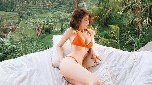 Ngọc Trinh diện quần tụt để lộ cả nội y, vô tình 'tố cáo' body gầy gò, vòng 1 căng đầy bỗng 'bốc hơi' mất tăm