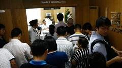 Cặp đôi Trung Quốc thi nhau ly hôn giả để… mua nhà, chính phủ phải ban hành chính sách nhà đất mới để 'dẹp loạn'