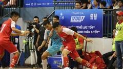 Trọng tài Việt Nam bị cầu thủ hành hung, đá vào thái dương dẫn tới bất tỉnh, mất trí nhớ