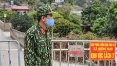 CLIP: Cảnh 'nội bất xuất, ngoại bất nhập' tại ngôi làng liên quan bệnh nhân 1552