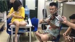 Khi sinh viên trường HV Âm nhạc đi học Quân sự, cả ký túc xá được phen nghe nhạc đã tai