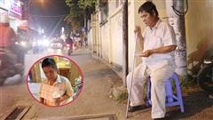 Người đàn ông mù bị kẻ xấu cướp 115 tờ vé số: 'Tôi buồn nhưng không thể làm gì được'
