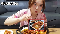YouTuber ẩm thực Hamzy bị tẩy chay kịch liệt tại Trung Quốc khi nhấn like bình luận liên quan cuộc chiến kim chi