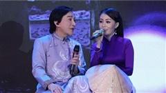 NSƯT Kim Long động viên tinh thần cô học trò xinh đẹp, tài năng