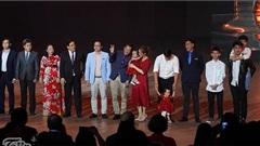 Cặp chị em song sinh Trúc Nhi - Diệu Nhi được vinh danh là Nhân vật truyền cảm hứng của năm